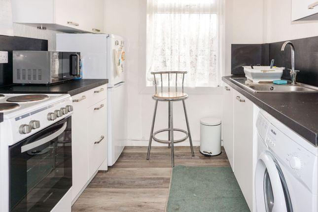 Kitchen of Munro Drive, Kilbirnie KA25