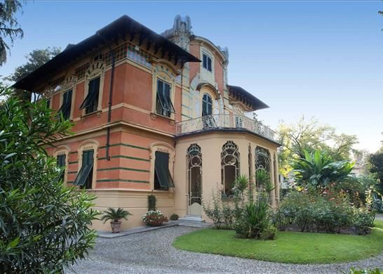 5 bed detached house for sale in Lucca, Tuscany, Italy