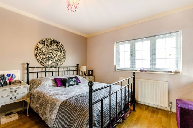 Thumbnail Property for sale in Forsyte Crescent, Crystal Palace