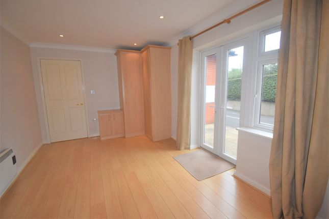 1 bed flat to rent in Sandbach Road, Rode Heath, Stoke-On-Trent ST7