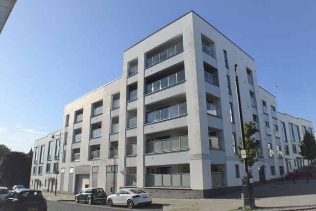 Thumbnail Flat to rent in Ker Street, Plymouth