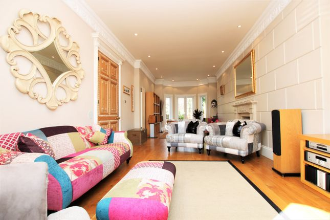 Thumbnail Terraced house for sale in Lavender Gardens, Battersea