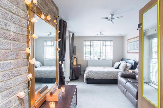 Thumbnail Detached house for sale in Hamilton Crescent, Warley, Brentwood