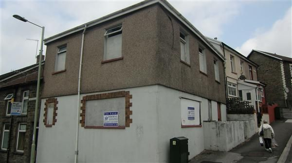 Thumbnail End terrace house for sale in Amos Hill, Penygraig, Tonypandy