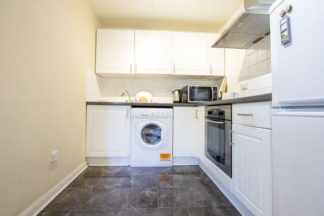 Kitchen of Tippett Rise, Reading, Berkshire RG2