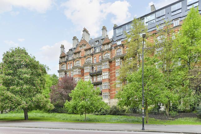 Thumbnail Flat for sale in Penthouse, Parkside, Knightsbridge