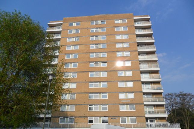 Thumbnail Flat to rent in Westwill Close, Orpington