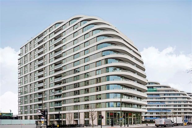 Thumbnail Flat for sale in Four Bedroom. Chelsea Bridge Wharf
