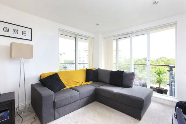 Thumbnail Flat to rent in Bluewater House, Smugglers Way, Wandsworth Town