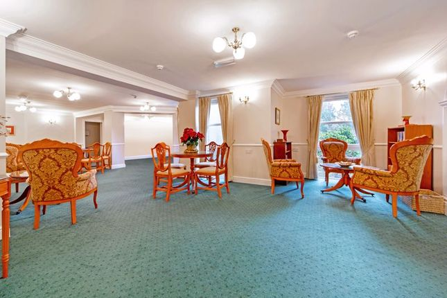 Thumbnail Flat for sale in 63 Kinloch View, Linlithgow