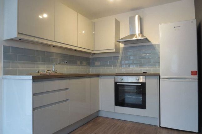 Thumbnail Property to rent in Warleigh Road, Brighton