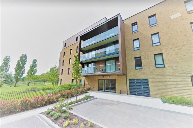 Thumbnail Flat to rent in Meadowside, London
