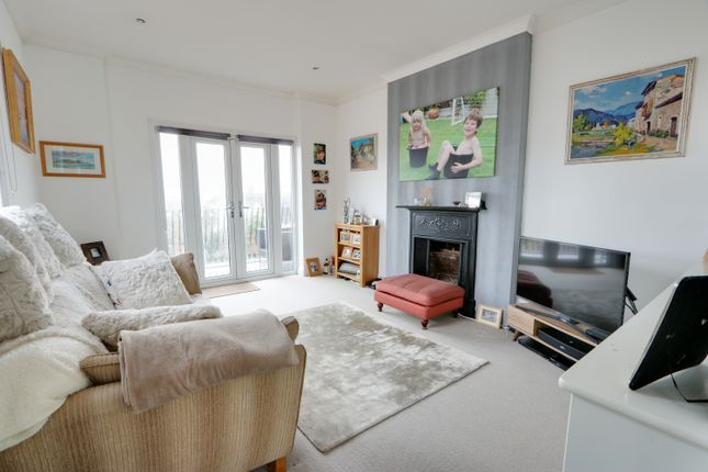 Thumbnail Flat for sale in 1152 London Road, Leigh-On-Sea, Essex