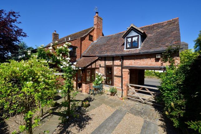 Thumbnail Semi-detached house for sale in Main Street, Cropthorne, Pershore