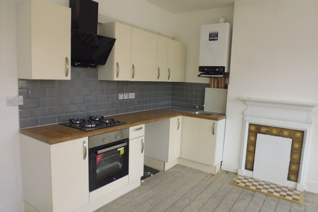 Thumbnail Flat to rent in Woodville Road, Thornton Heath, Norbury, Croydon