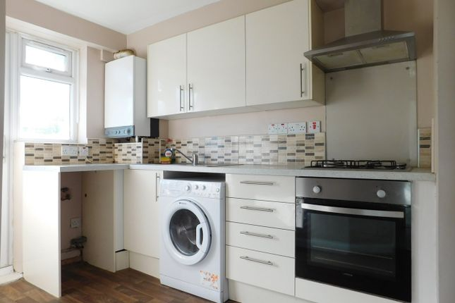 Thumbnail Flat to rent in Uxbridge Road, Sheperds Bush, London