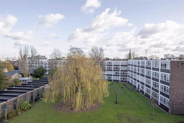 Maisonette to rent in Heath Royal, Putney Hill
