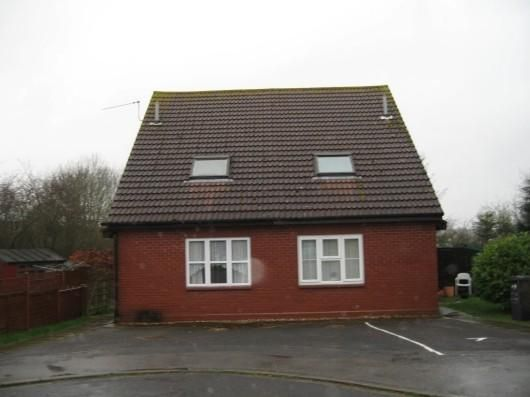 Thumbnail Semi-detached house to rent in Hartley Gardens, Tadley, Basingstoke