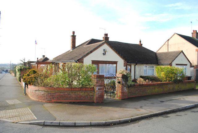 Thumbnail Semi-detached bungalow for sale in Kingsway, Kingsthorpe, Northampton