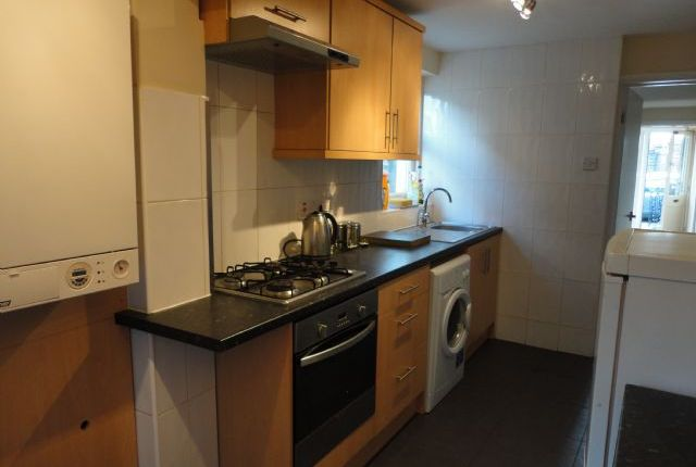 Thumbnail Terraced house to rent in 3 Bedroom House To Rent In, Ford End Road, Queens Park