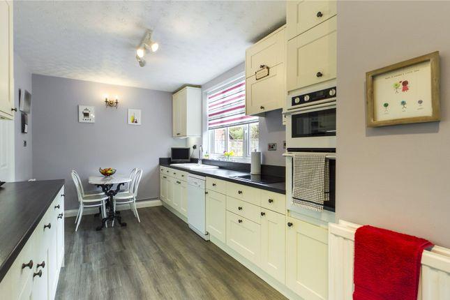 Kitchen B'fast Room