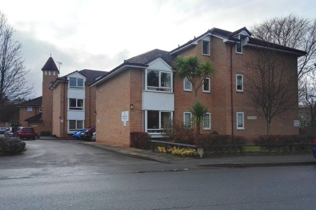 Thumbnail Flat to rent in Penrhyn Avenue, Rhos On Sea, Colwyn Bay