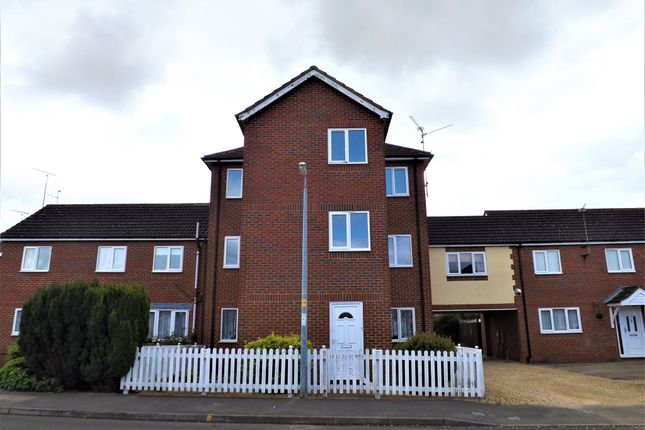 2 bed flat to rent in The Hollies, Holbeach, Spalding PE12