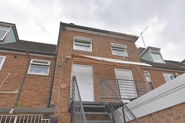 Thumbnail Flat to rent in Ambergate Road, Aspley