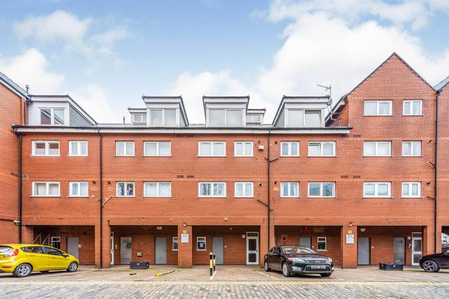 1 bed flat for sale in Squire Court, Maritime Quarter, Swansea SA1