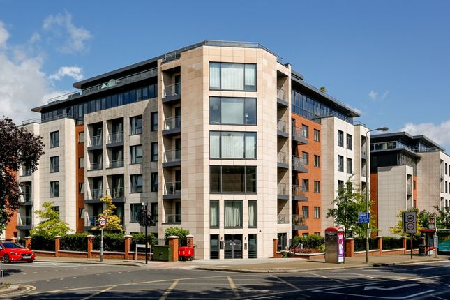 Thumbnail Flat to rent in College House, Putney Hill, London