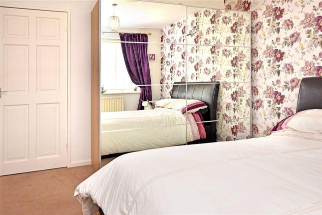 Picture No. 06 of Wide Lane, Morley, Leeds LS27
