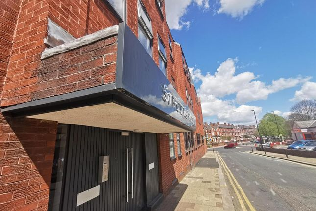 1 bed flat to rent in St Peters House, Princes Road, Doncaster DN1