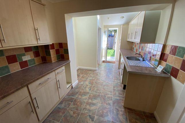 New Kitchen 2 of West Meadow Close, Braunton EX33