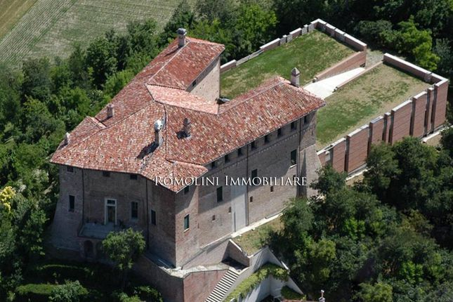 20 bed property for sale in Alessandria, Piedmont, Italy