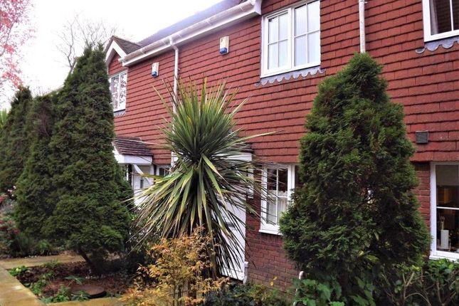 Thumbnail Terraced house for sale in Little Park, Wadhurst