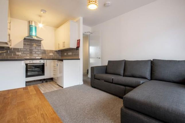 Thumbnail Flat to rent in Sienna Gardens, Edinburgh
