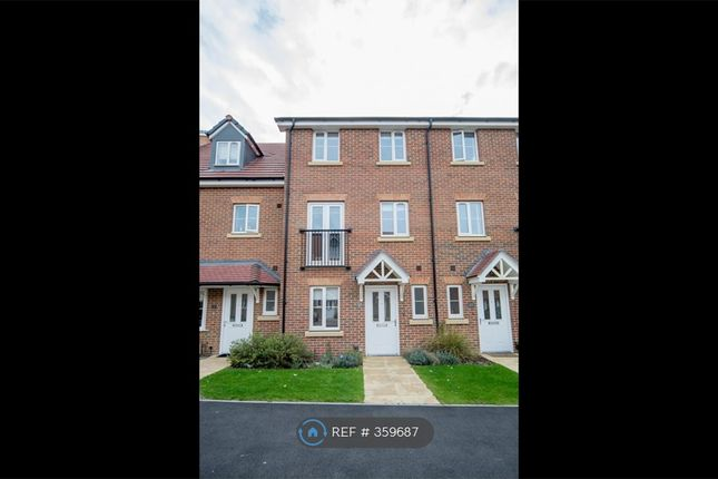 Front Of House of Winter Close, Epsom KT17