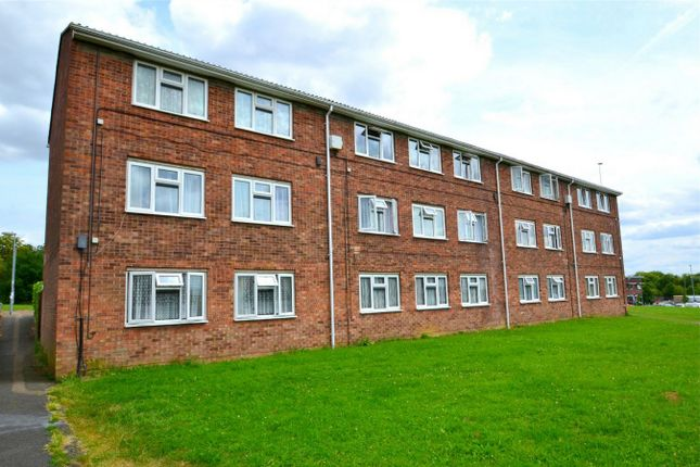 Thumbnail Flat to rent in Canterbury House, Deal Close, Huntingdon, Cambridgeshire