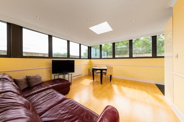 Thumbnail Flat to rent in Hawley Road, London