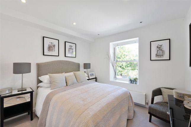 Bedroom of Oakbury Road, London SW6