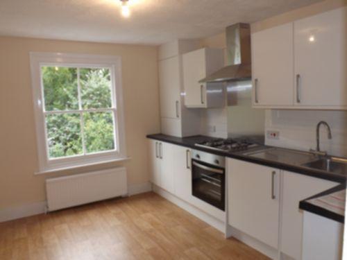Thumbnail Flat to rent in Elland Rd, Peckham
