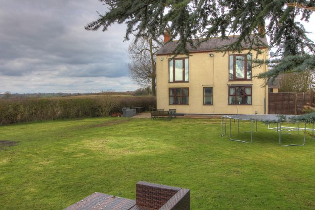 Thumbnail Cottage for sale in Forest Road, Huncote, Leicester