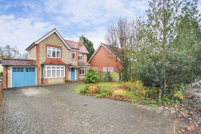 Thumbnail Detached house for sale in Forebury Avenue, Sawbridgeworth, Hertfordshire