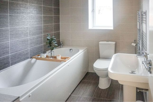 Family Bathroom of Brooke Close, Sheffield S36