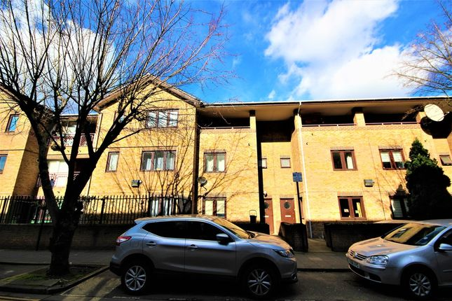 Thumbnail Terraced house for sale in Laburnum Street, Hackney