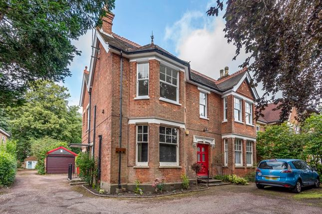 Thumbnail Semi-detached house to rent in Kings Road, Horsham