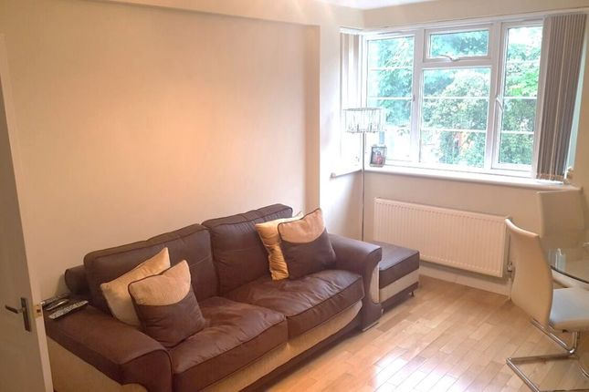2 bed flat to rent in Beech Lawns, London, North Finchley