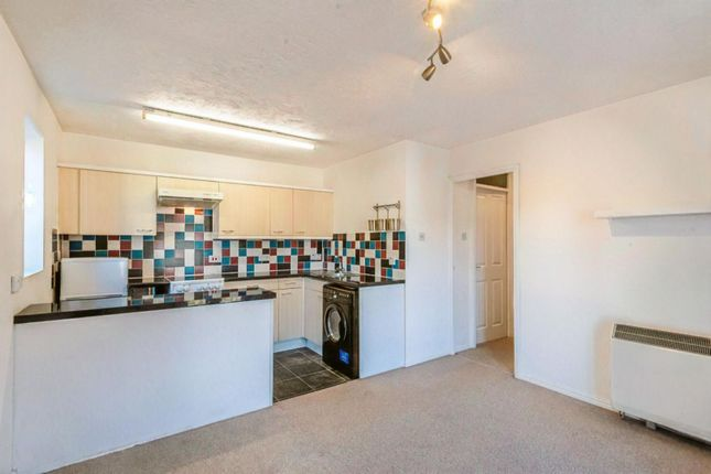 Lounge / Kitchen of Gander Drive, Basingstoke RG24