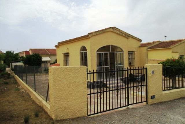 Thumbnail Detached bungalow for sale in Urbanización La Marina, Costa Blanca South, Costa Blanca, Valencia, Spain