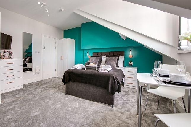 Room 6 of Algernon Road, Birmingham B16